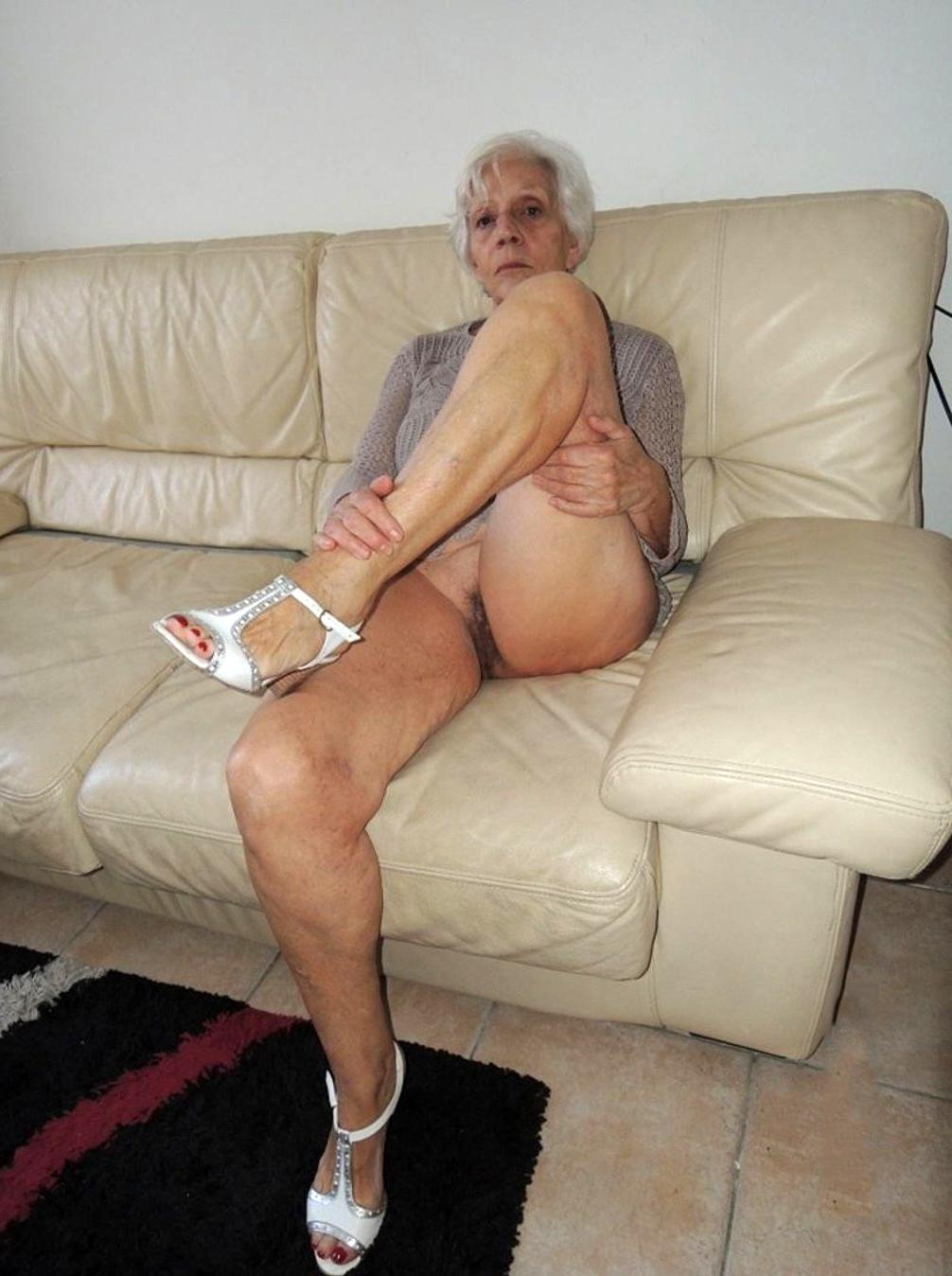 Granny pornpics GRANNY NAME