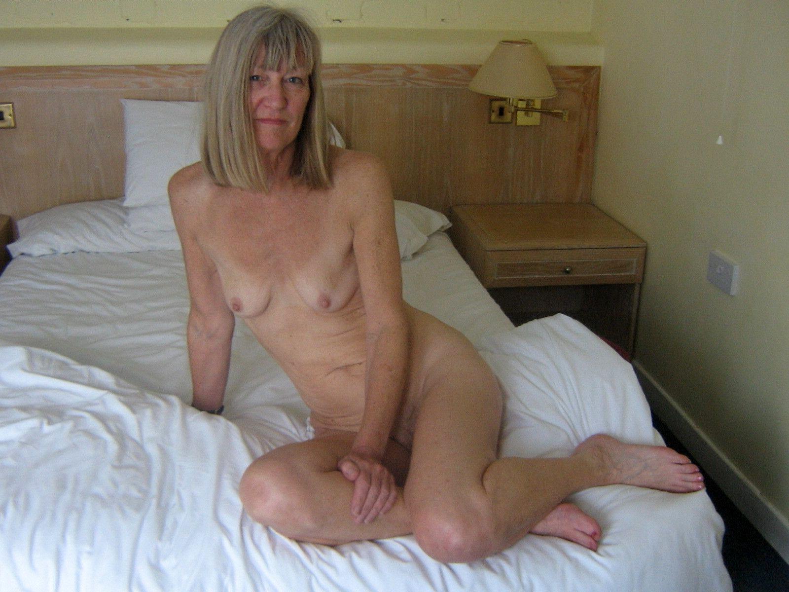 Shoulders down mature porn slender something is. Thanks
