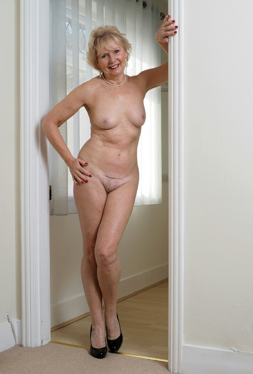 Mature pic naked Mature Pix