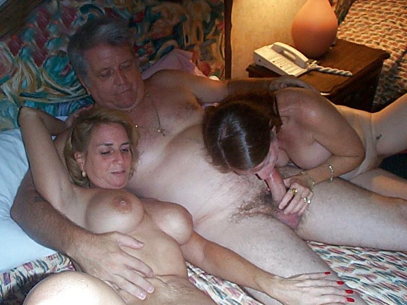Amateur Milf Threesome Mff