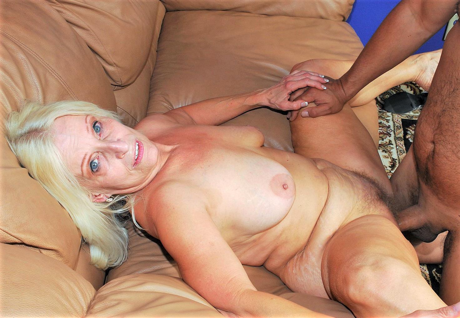 mom spank video