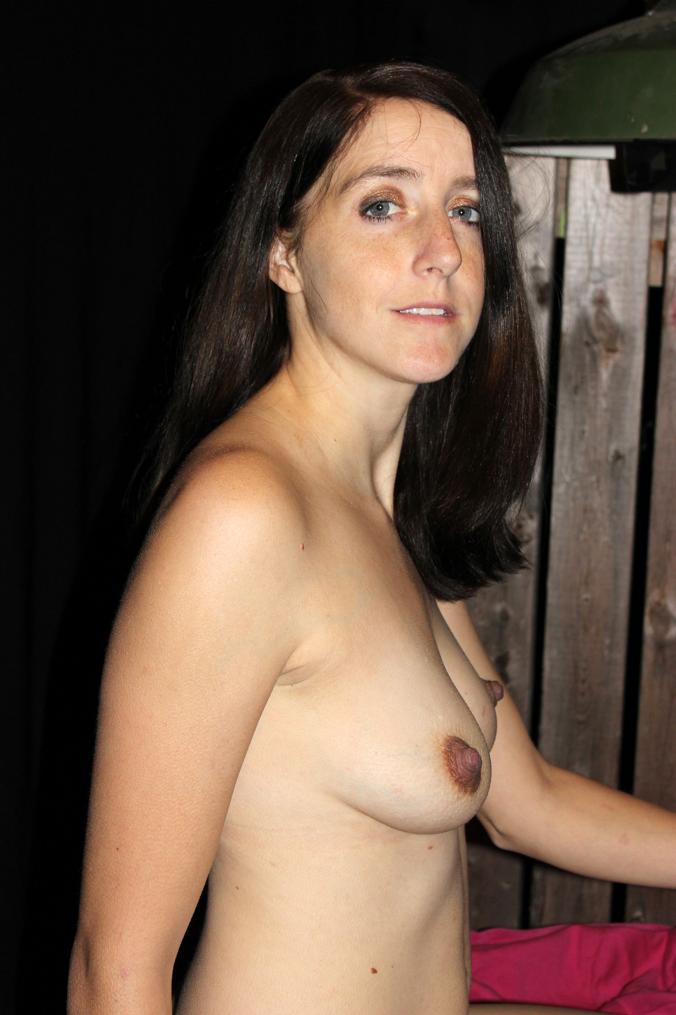 Milf free nude American and
