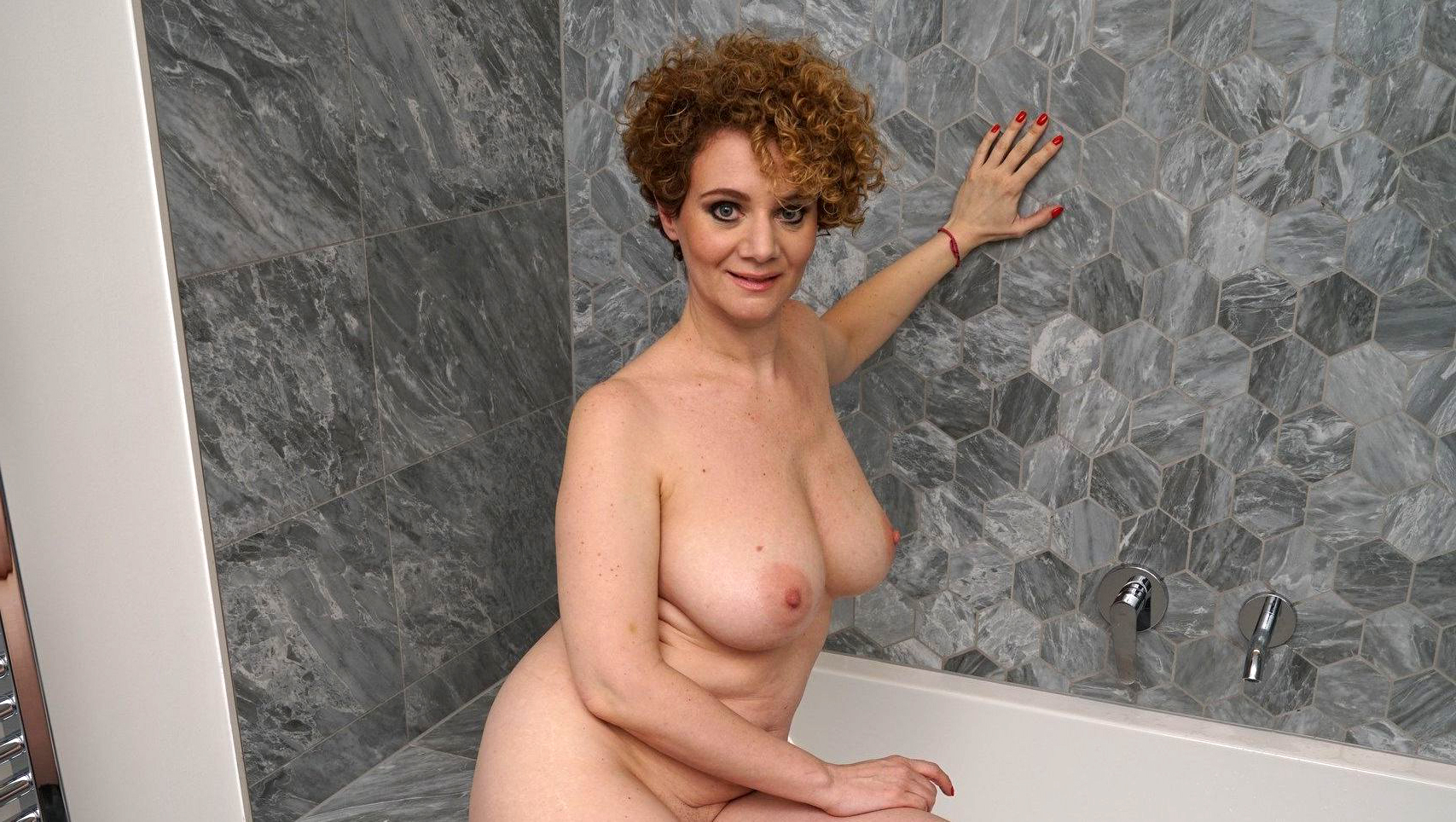 Adult women of pictures naked Women Reveal