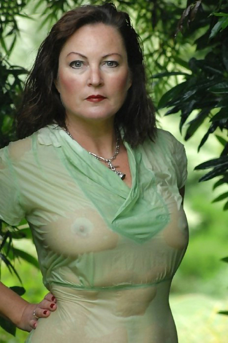 Pictures of naked 40 year old women
