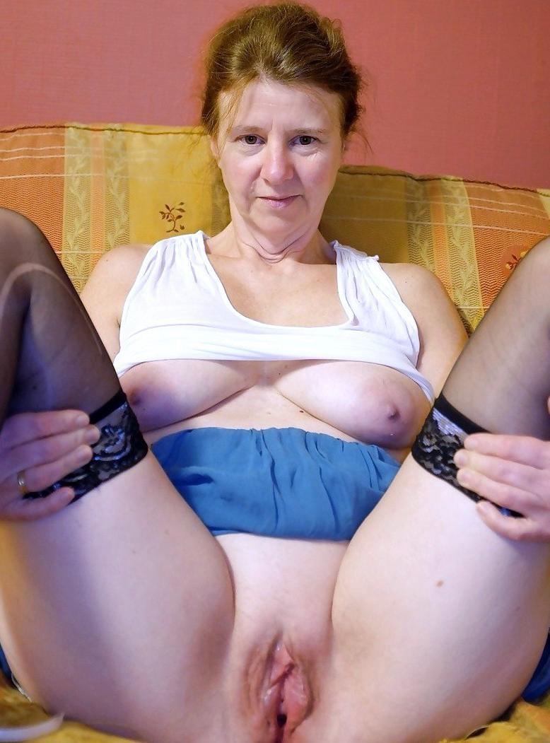 Hot live sex webcams show
